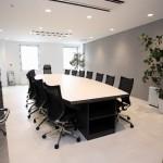 転職の面接「入室のマナー」ノックの回数や椅子の座り方などの作法